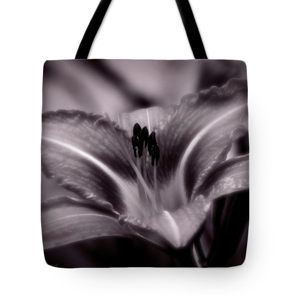 Lily Tote Bag featuring the photograph I Dream Of You by Jeanette C Landstrom