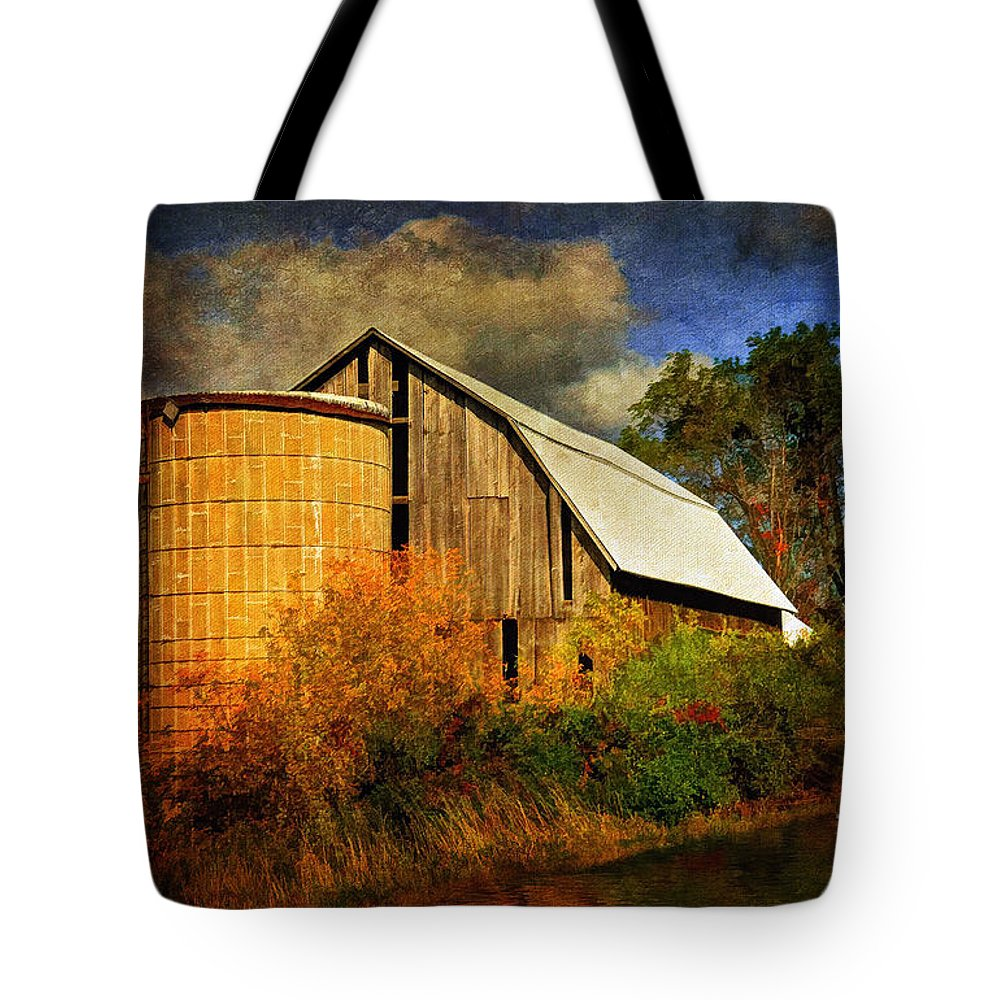 Barn Tote Bag featuring the photograph In The Gloaming by Lois Bryan