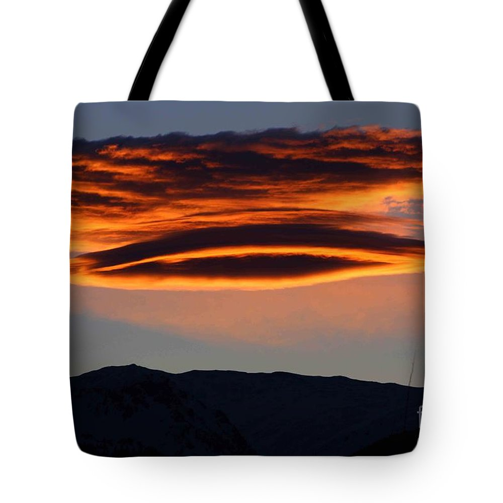 Cloud Tote Bag featuring the photograph In The Spotlight by Fiona Kennard