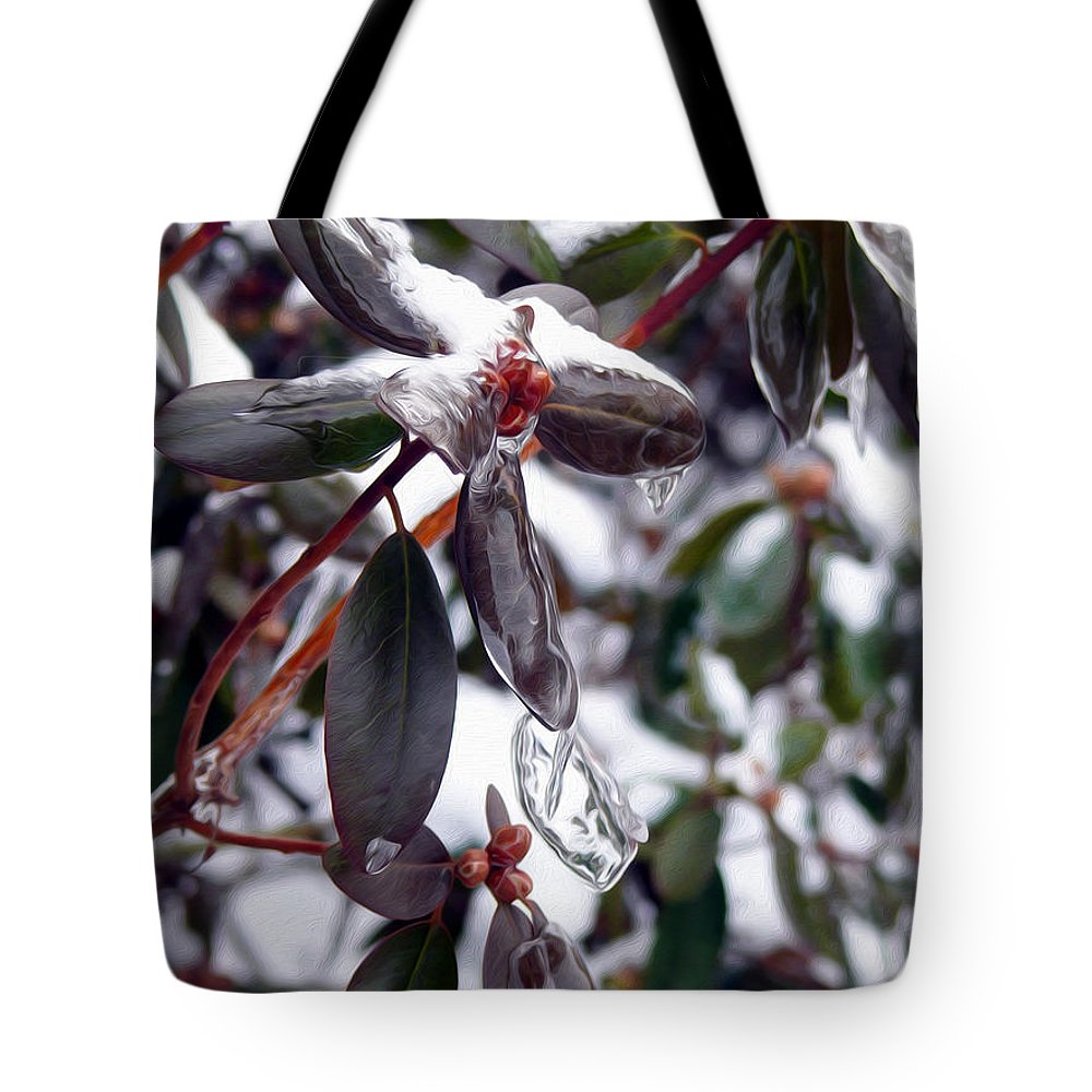 Red Berries Tote Bag featuring the photograph Incased In Ice by Tracy Winter