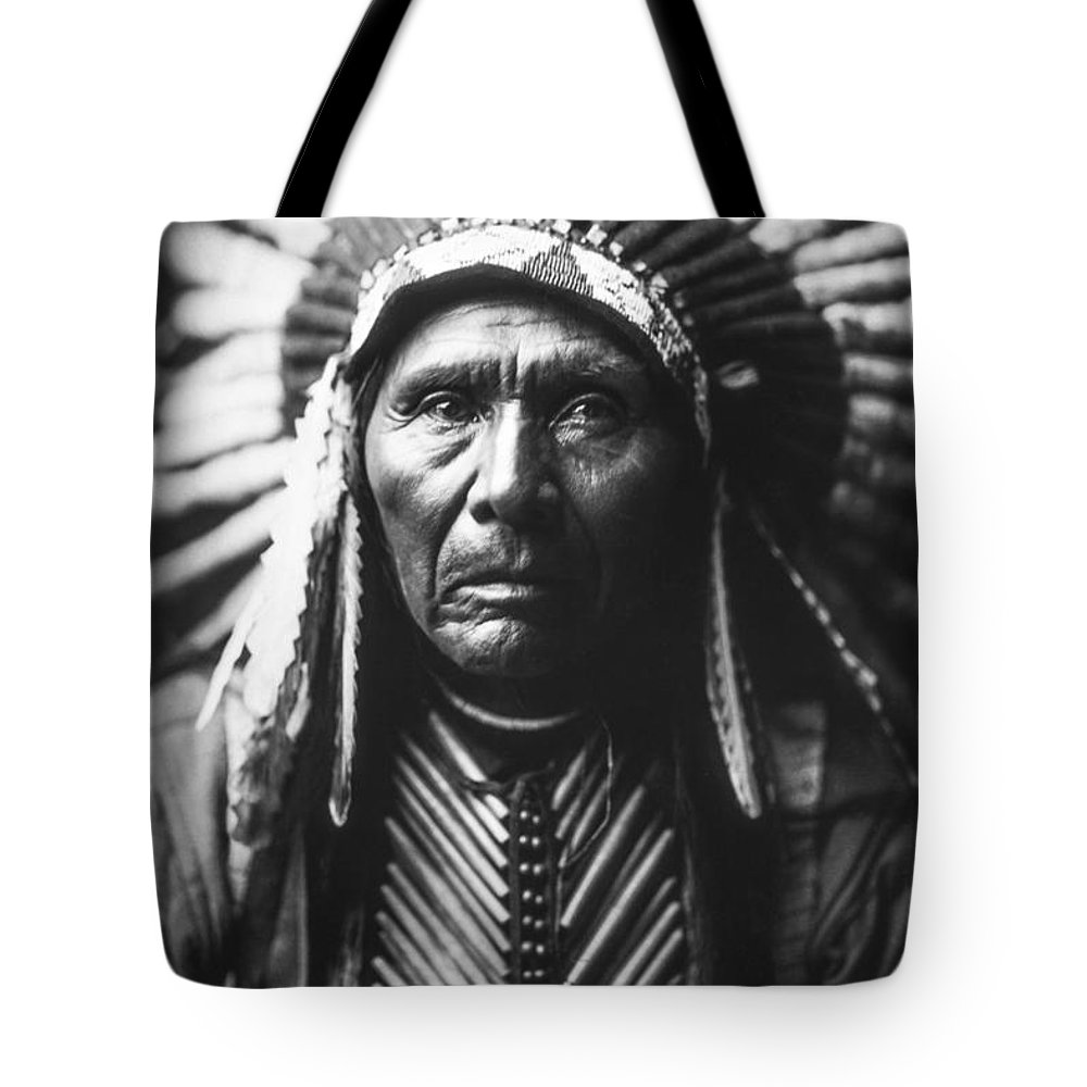 1905 Tote Bag featuring the photograph Indian of North America circa 1905 by Aged Pixel