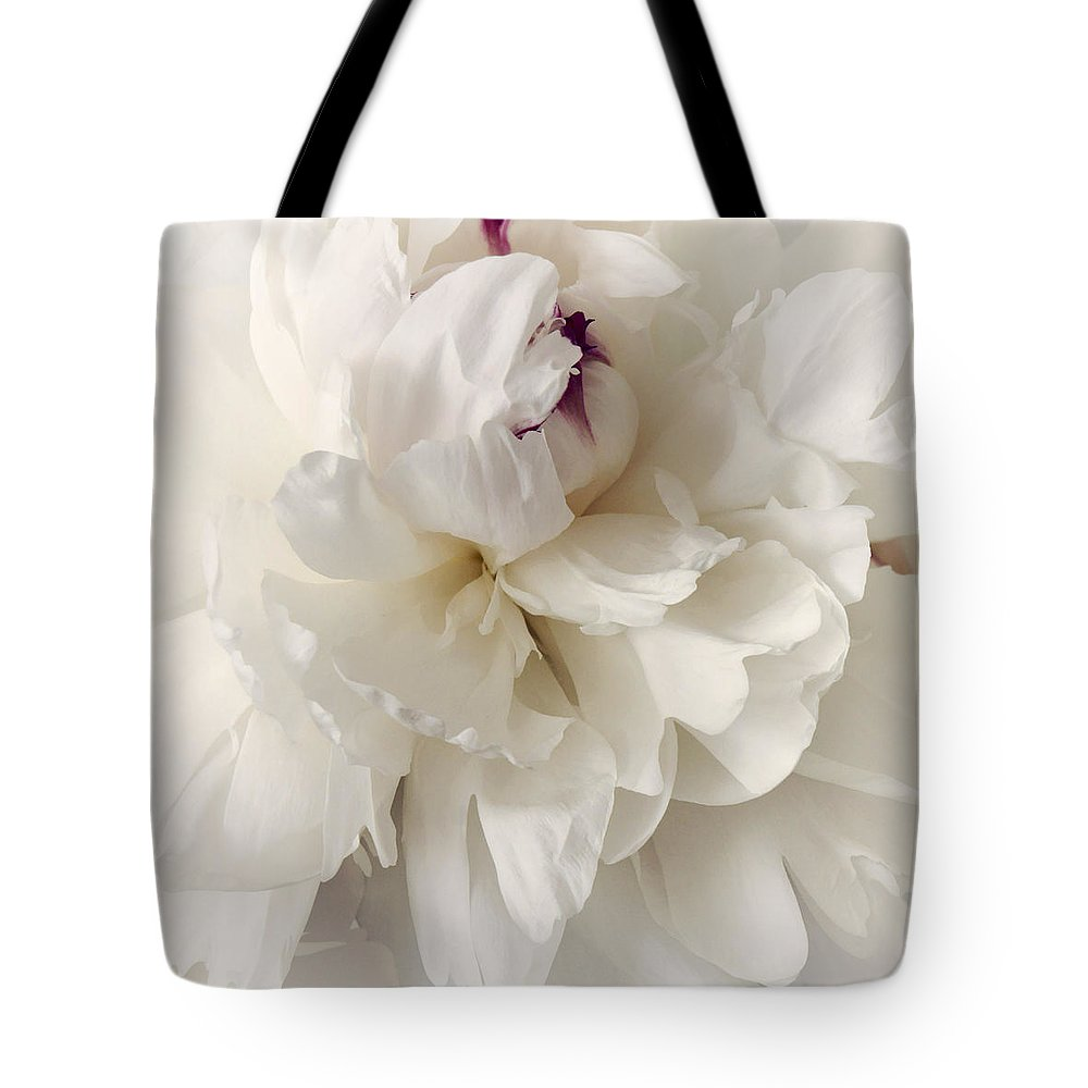 Photography Tote Bag featuring the photograph Innocence by Darlene Kwiatkowski