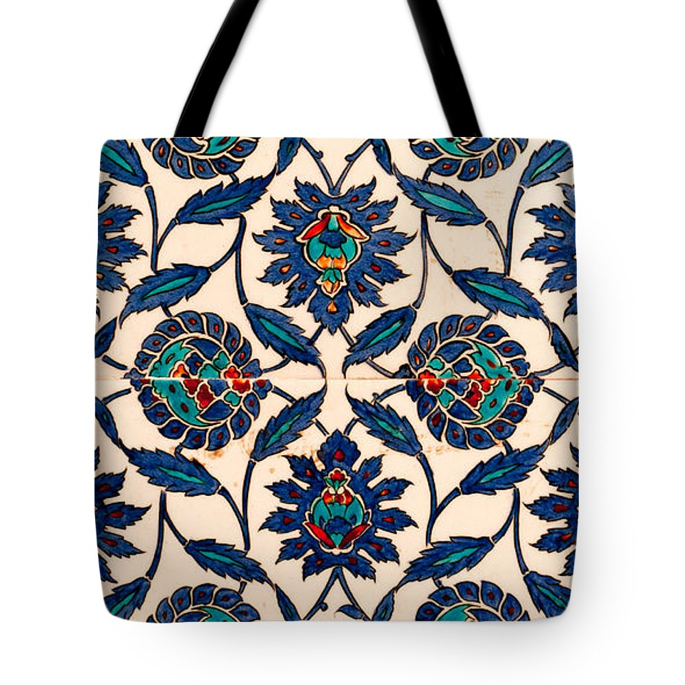 Istanbul Tote Bag featuring the photograph Iznik 09 by Rick Piper Photography