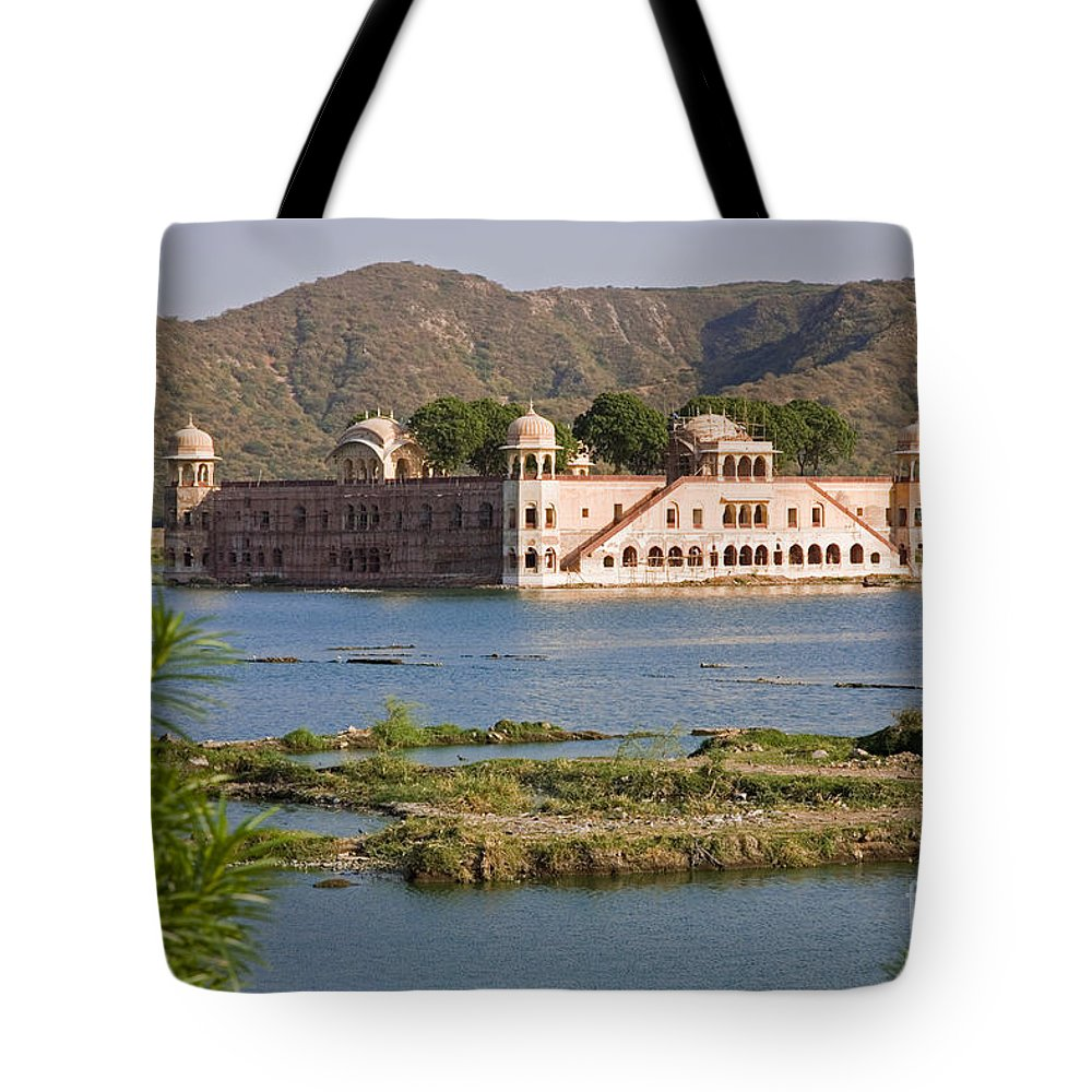 Architecture Tote Bag featuring the photograph Jah Mahal Palace by David Davis
