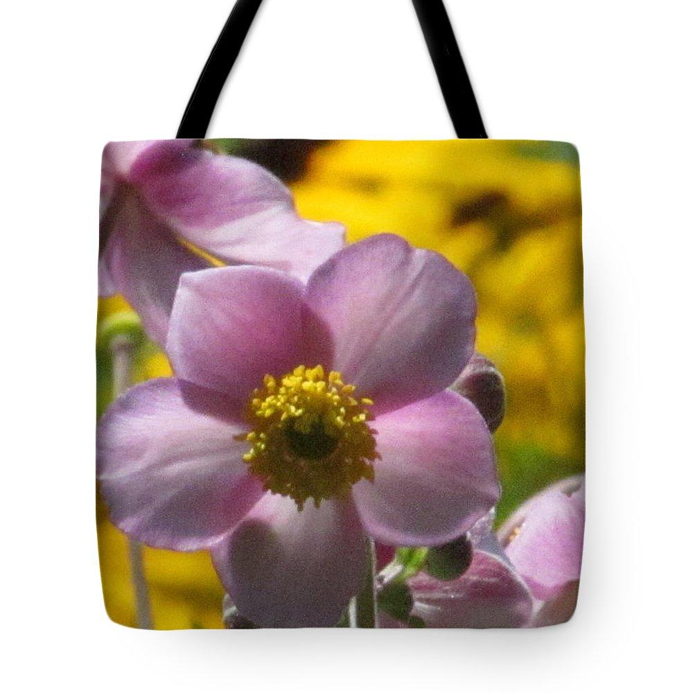 Japanese Anemone Tote Bag featuring the photograph Japanese Anemone by Alfred Ng