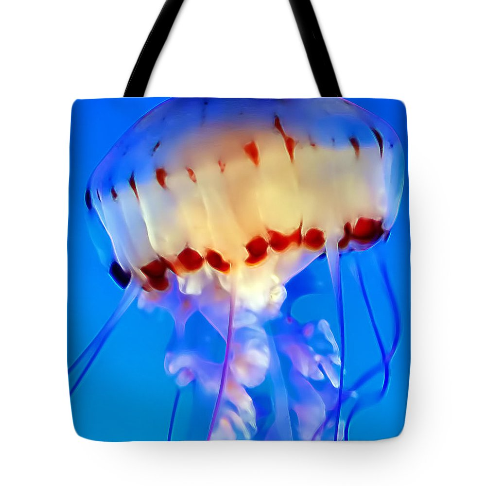 Jellyfish Tote Bag featuring the photograph Jellyfish 3 by Dawn Eshelman