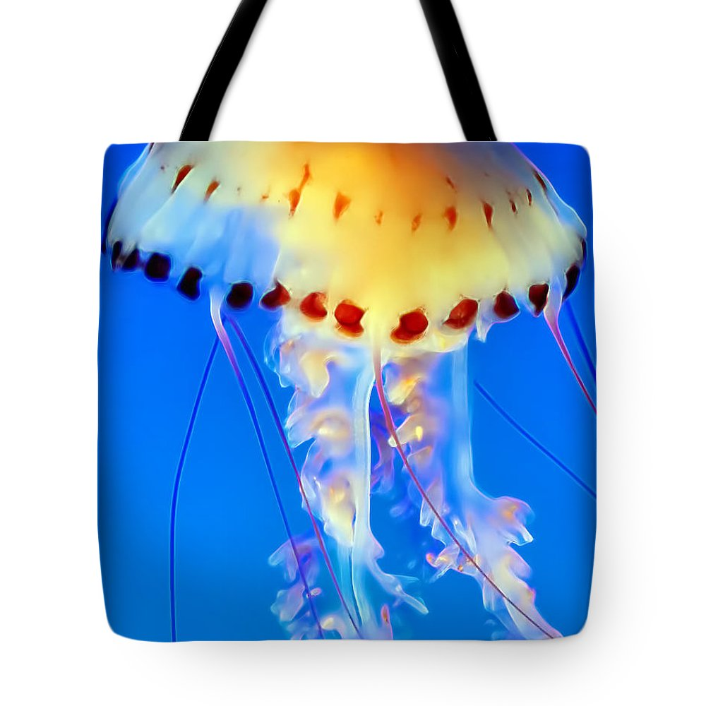 Jellyfish Tote Bag featuring the photograph Jellyfish 4 by Dawn Eshelman