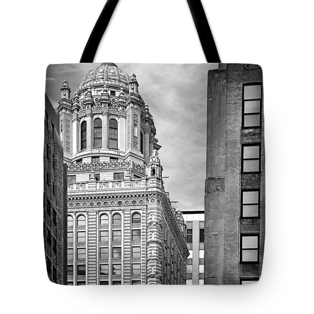 Jewelers Tote Bag featuring the photograph Jewelers' Building - 35 East Wacker Chicago by Christine Till