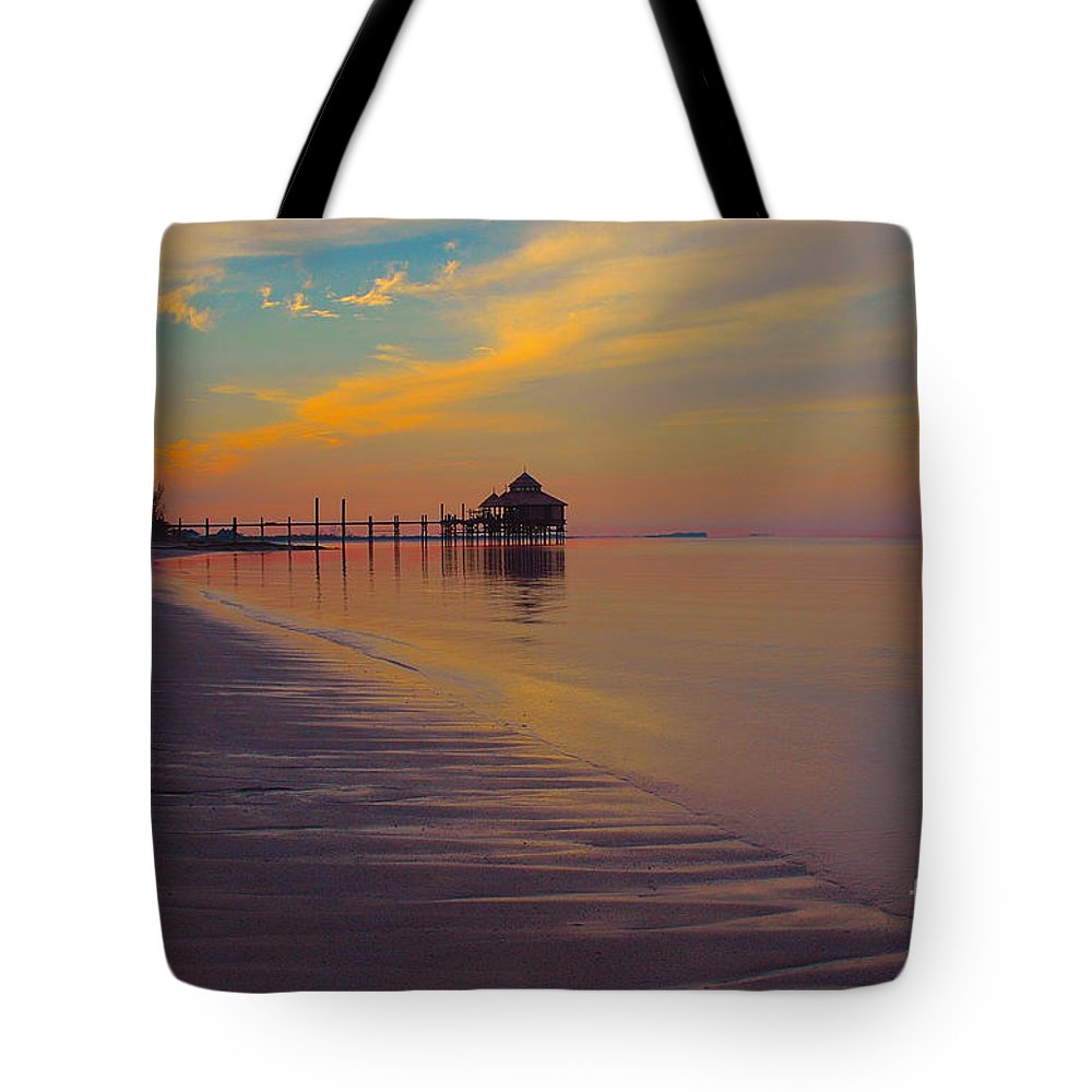 Kamalame Cay Tote Bag featuring the photograph Kamalame Beach by Carey Chen