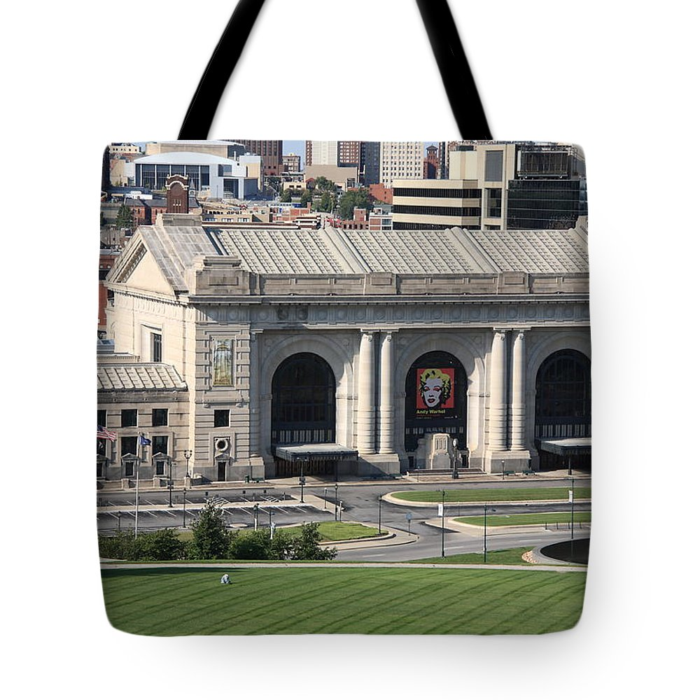 America Tote Bag featuring the photograph Kansas City - Union Station by Frank Romeo
