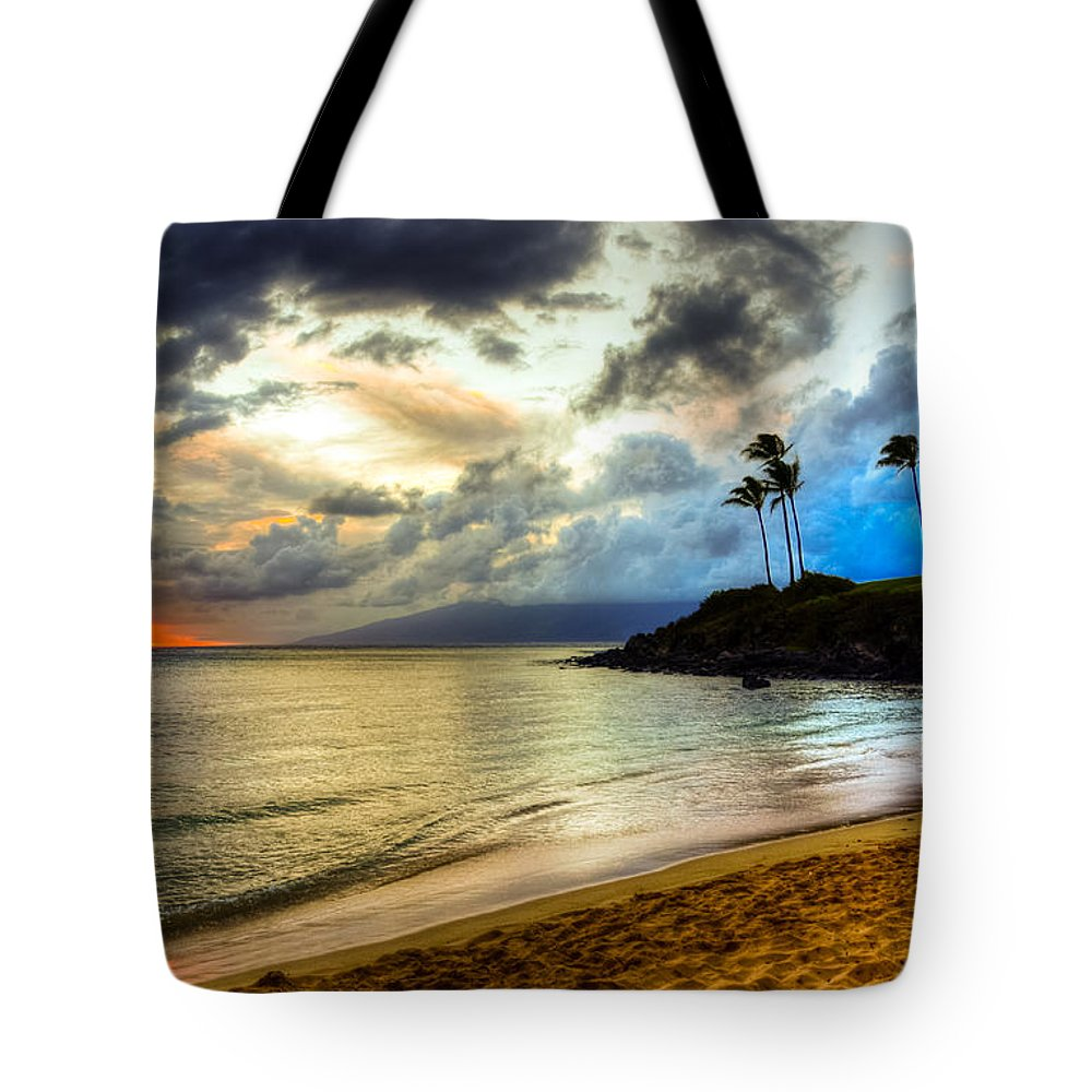Kapalua Bay Tote Bags
