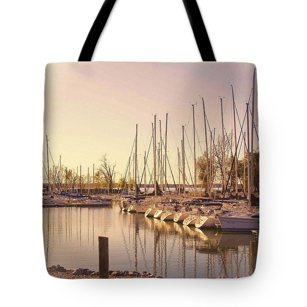 Boats Tote Bag featuring the photograph Kentucky Lake Sail Boats by Bonnie Willis