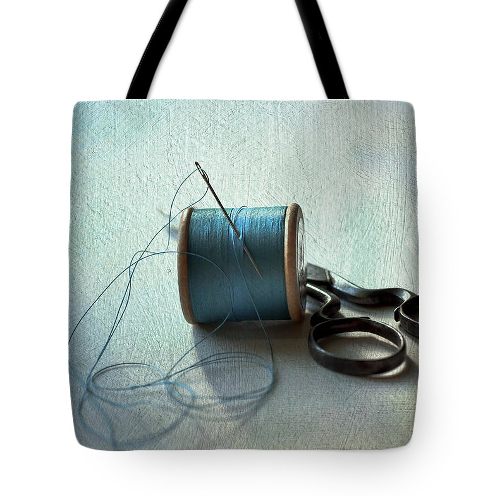 Antique Tote Bag featuring the photograph Kingfisher Blue by Jan Bickerton