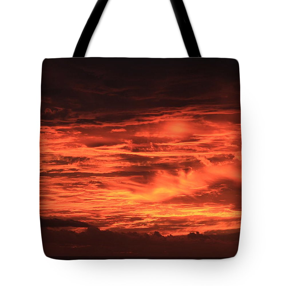 Hawaii Tote Bag featuring the photograph Kona Sky On Fire by Kimberly Reeves