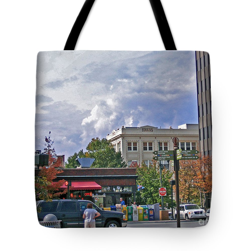 Kress Building Tote Bag featuring the photograph Kress Building Asheville by Marian Bell