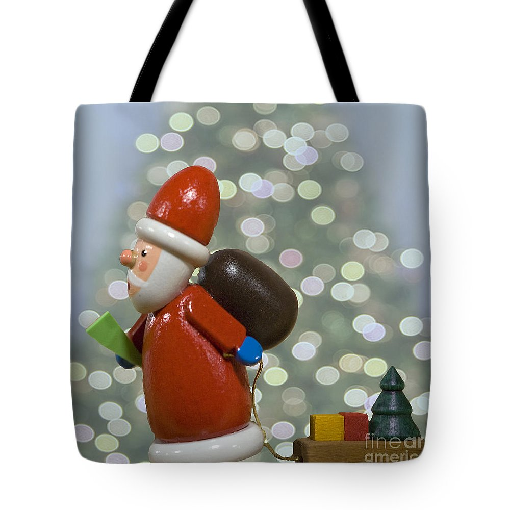 Celebrate Tote Bag featuring the photograph Kris Kringle by Juli Scalzi