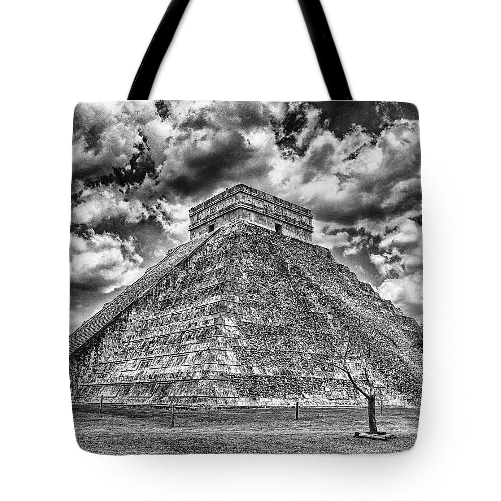 Chichen Itza Tote Bag featuring the photograph Kukulcan Pyramid V2 by Douglas Barnard