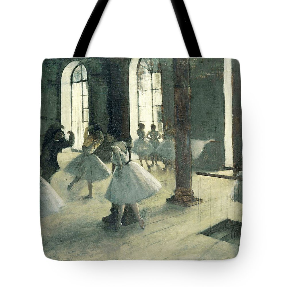 Edgar Degas Tote Bag featuring the painting La Repetition Au Foyer De La Danse by Edgar Degas