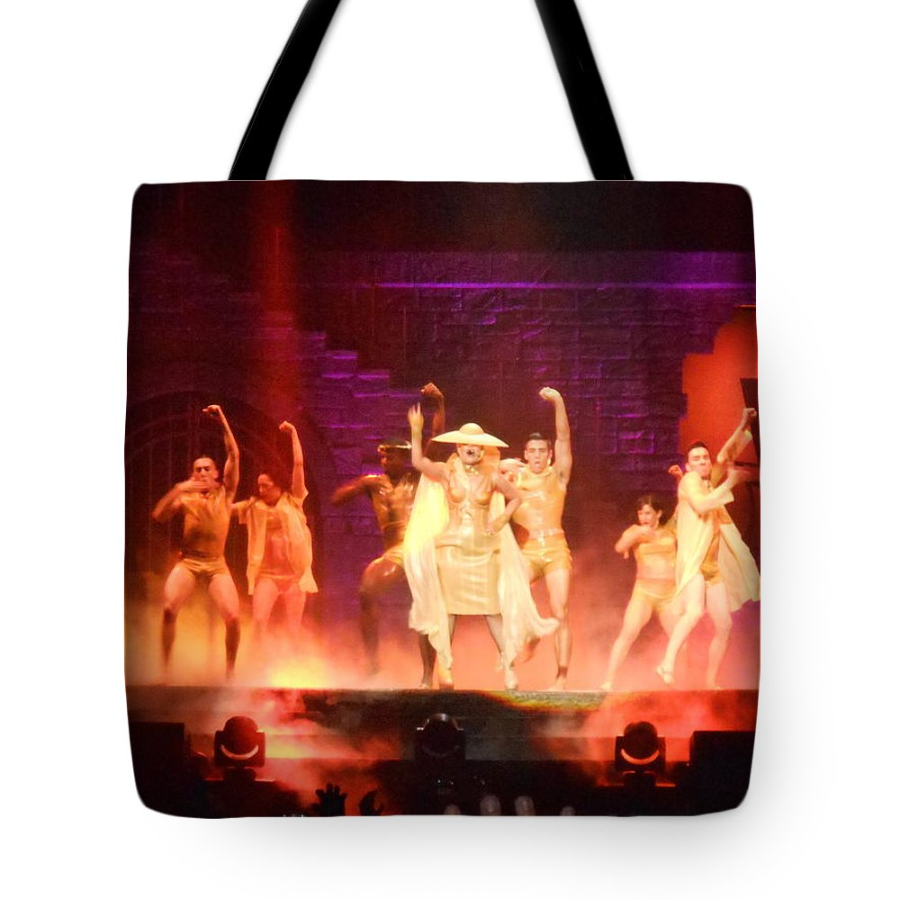 Tote Bag featuring the photograph Paws Up by Mark J Dunn