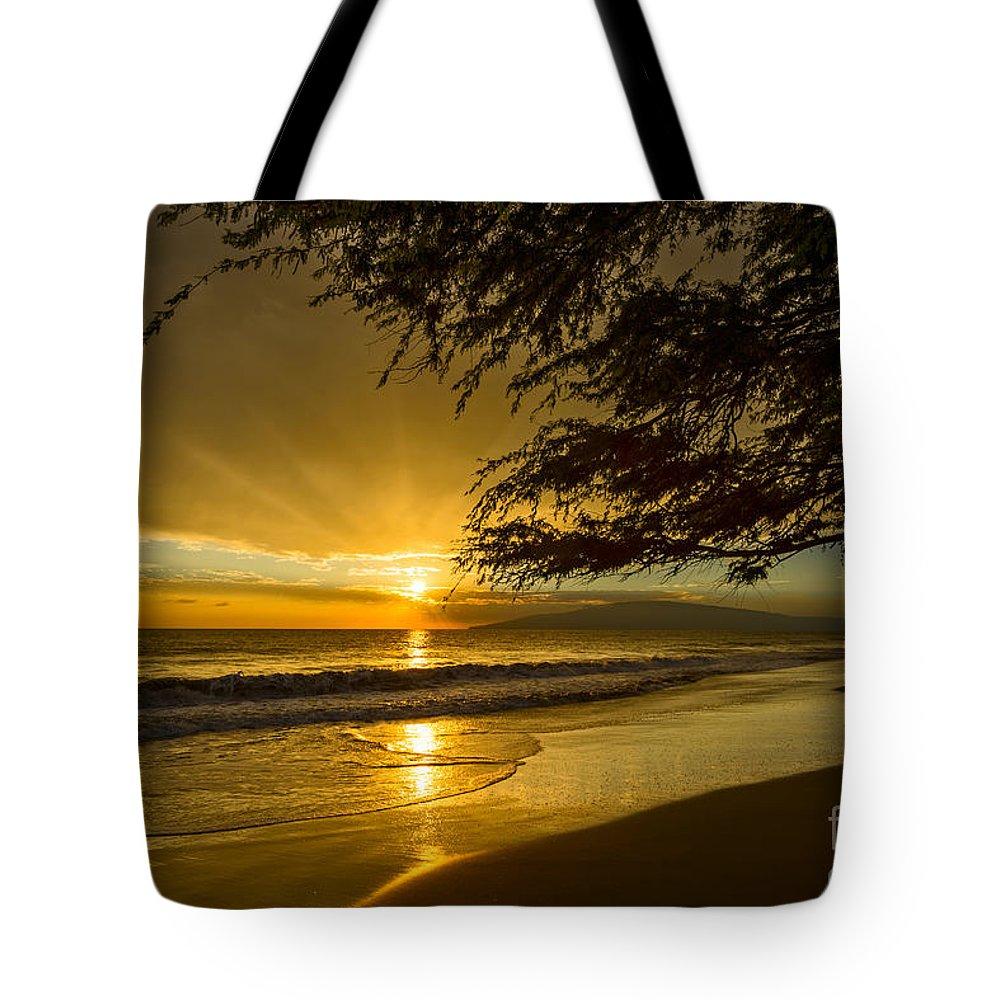 Beach Tote Bag featuring the photograph Lahaina Sun Burst by Jamie Pham