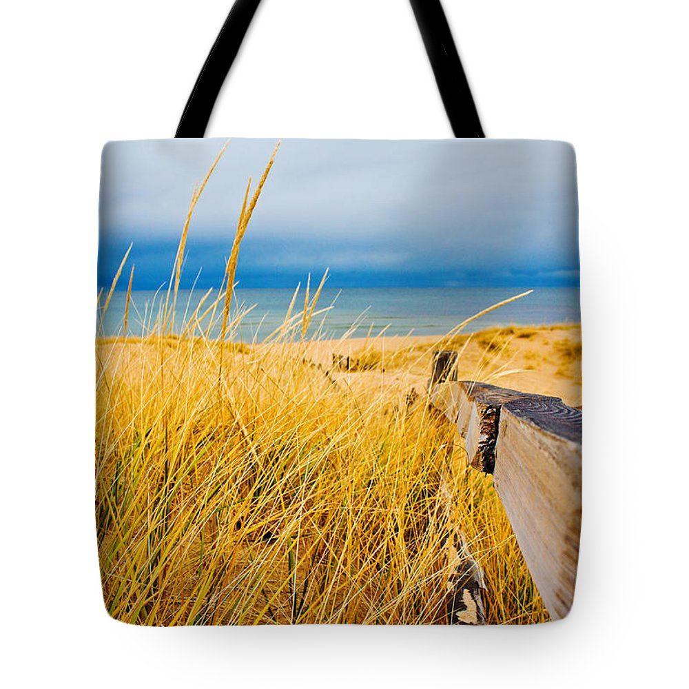 Lake Superior Tote Bag featuring the photograph Lake Superior Beach by John McGraw
