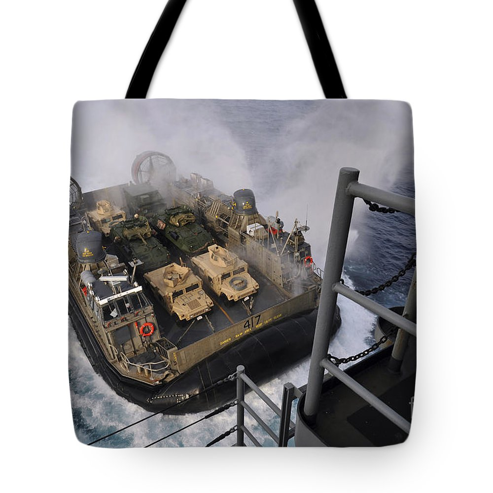 Military Tote Bag featuring the photograph Landing Craft Air Cushion Approaches by Stocktrek Images