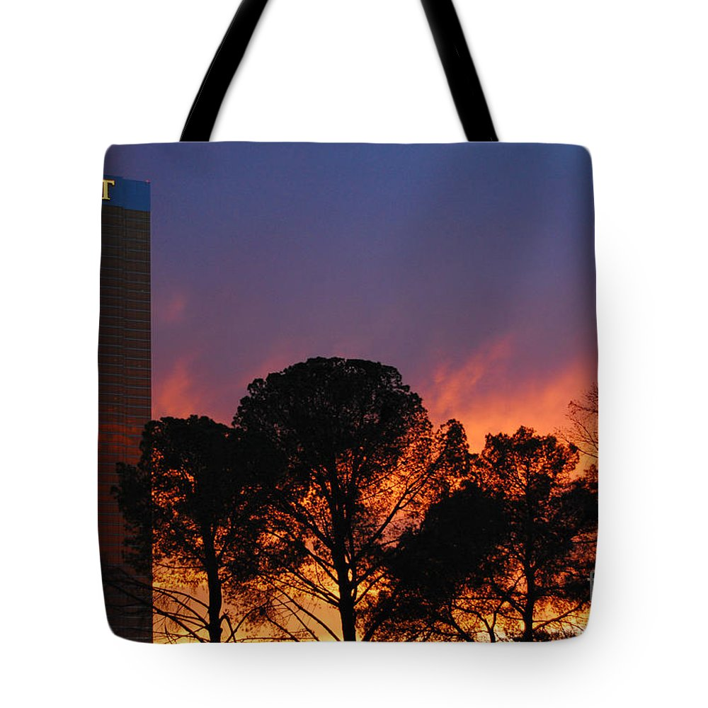 Trump Tote Bag featuring the photograph Las Vegas Trump Tower Sunset by Debra Thompson