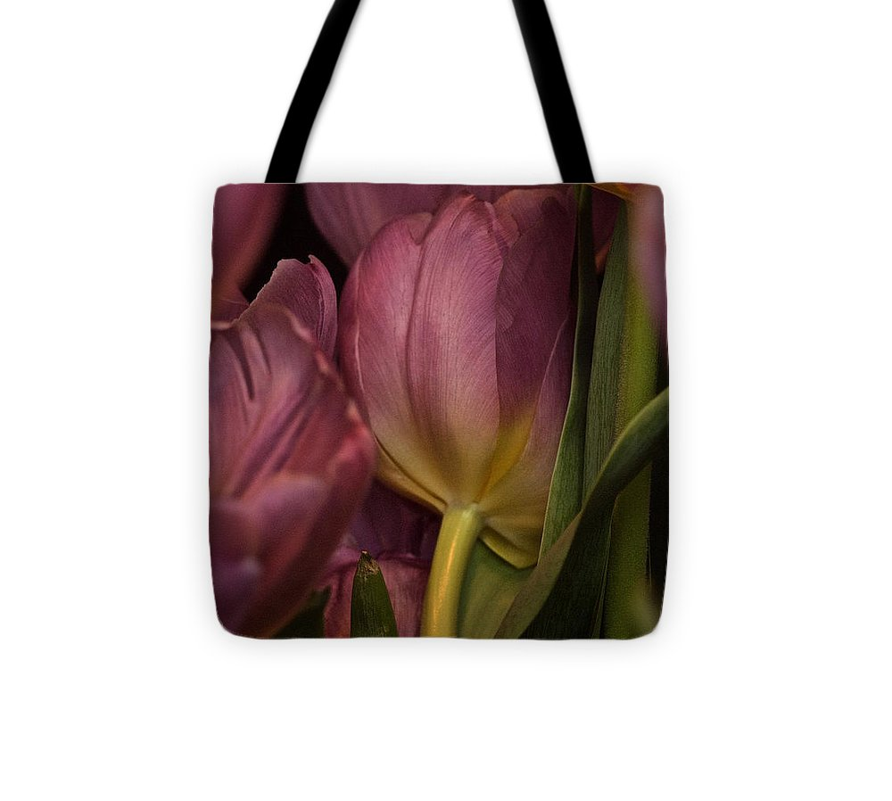 Tulips Tote Bag featuring the photograph Lean On Me by Richard Cummings