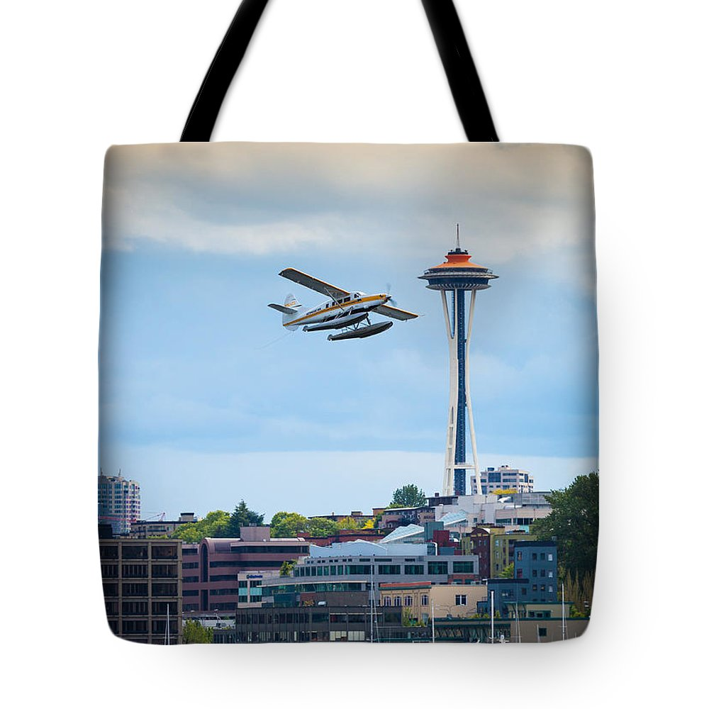 Seattle Tote Bag featuring the photograph Leaving Seattle by Inge Johnsson