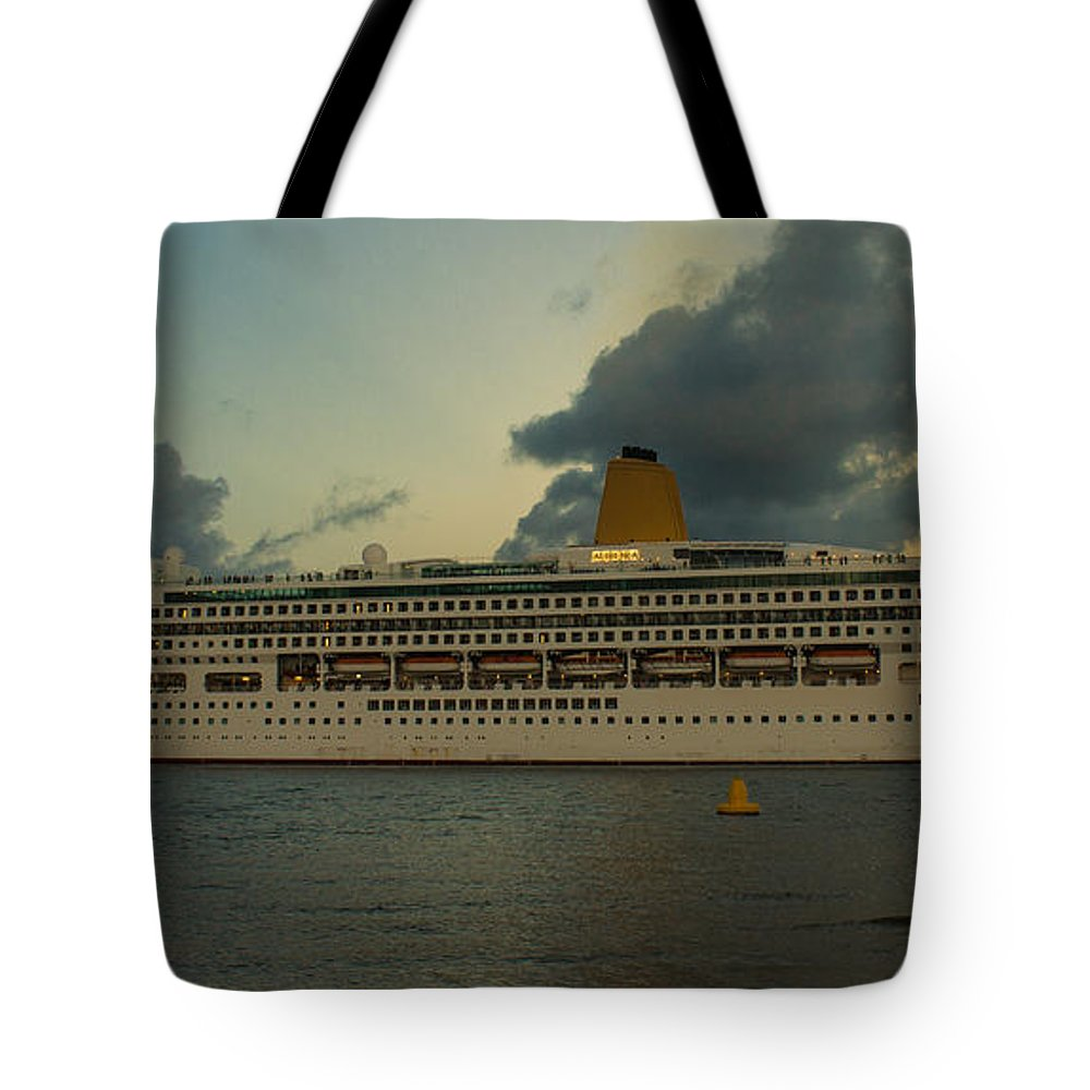 Boat Tote Bag featuring the photograph Let's Cruize by Michael Podesta