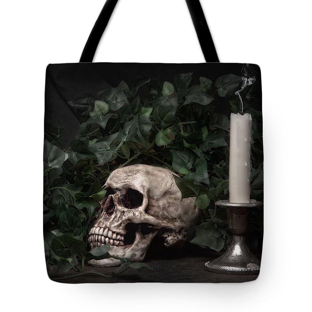 Vanitas Tote Bags