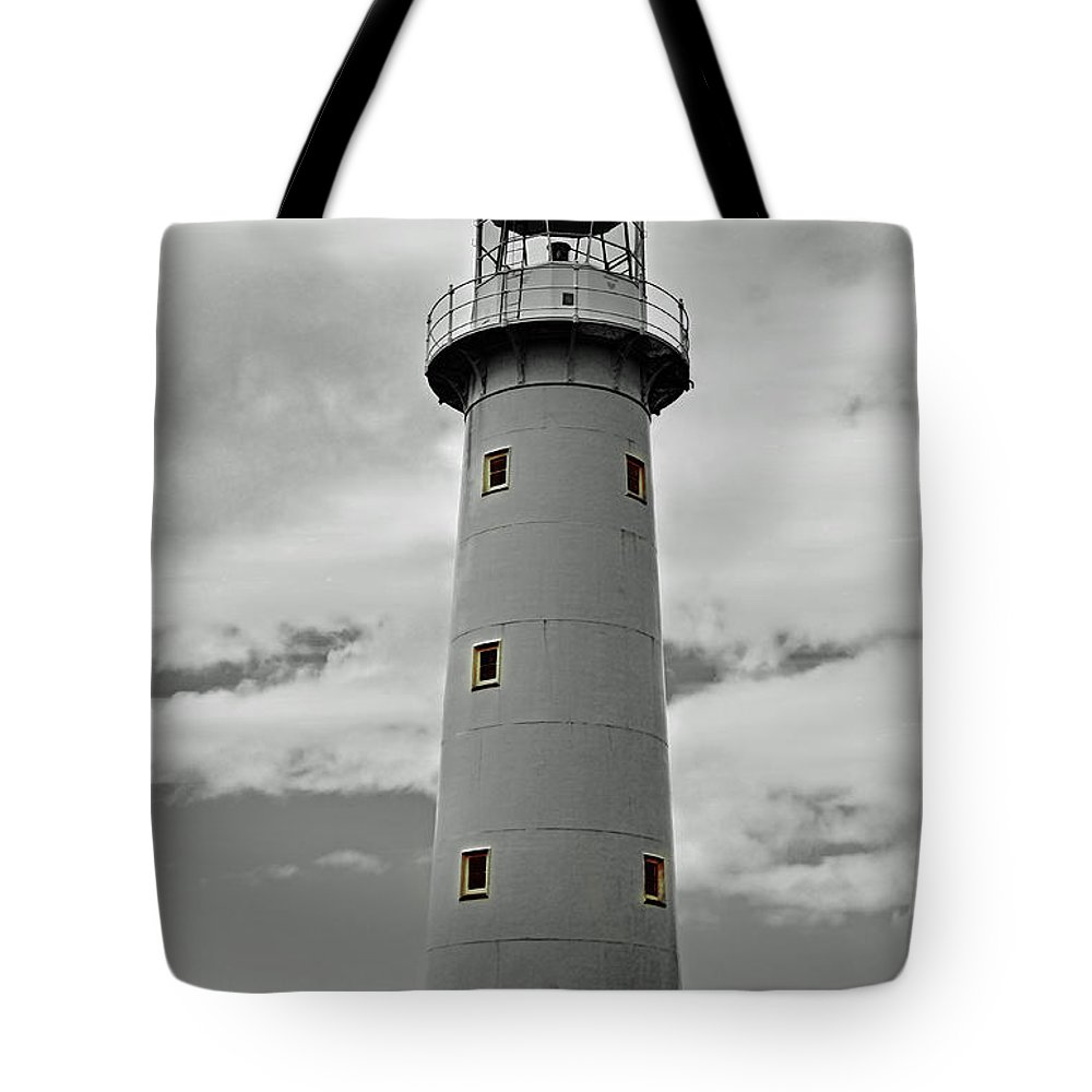 Lighthouse Tote Bag featuring the photograph Lighthouse Bnw Auckland by Ben Yassa
