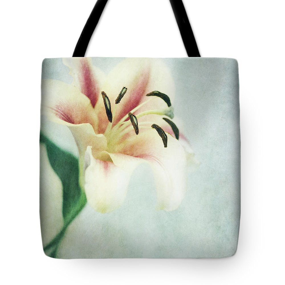 Lily Tote Bag featuring the photograph Lilium by Priska Wettstein