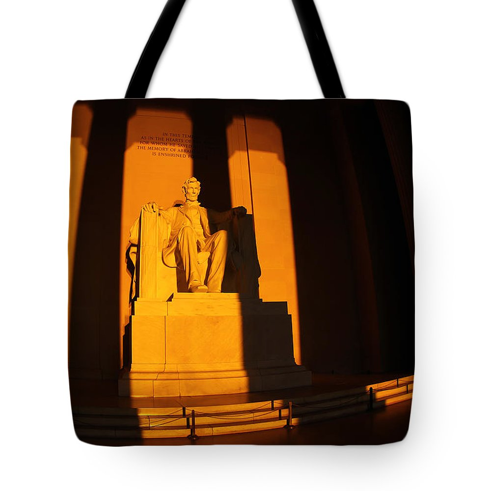 Lincoln Memorial Tote Bag featuring the photograph Lincoln Memorial by Mitch Cat