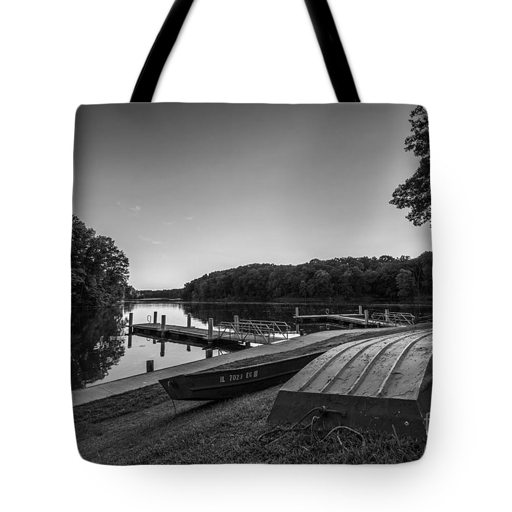 Lincoln Trail State Park Tote Bag featuring the photograph Lincoln Trail State Park Bw by Michael Ver Sprill