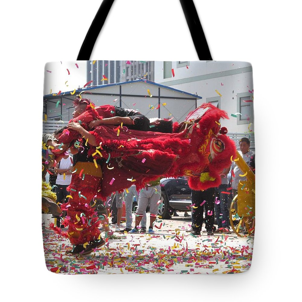 China Tote Bag featuring the photograph Lion Dance by Alfred Ng