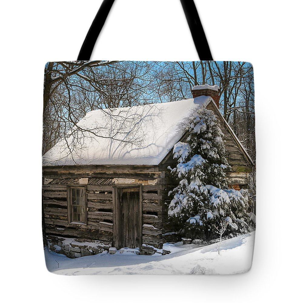 Old Buildings Tote Bag featuring the photograph Little Cabin In The Woods by Sharon Horn