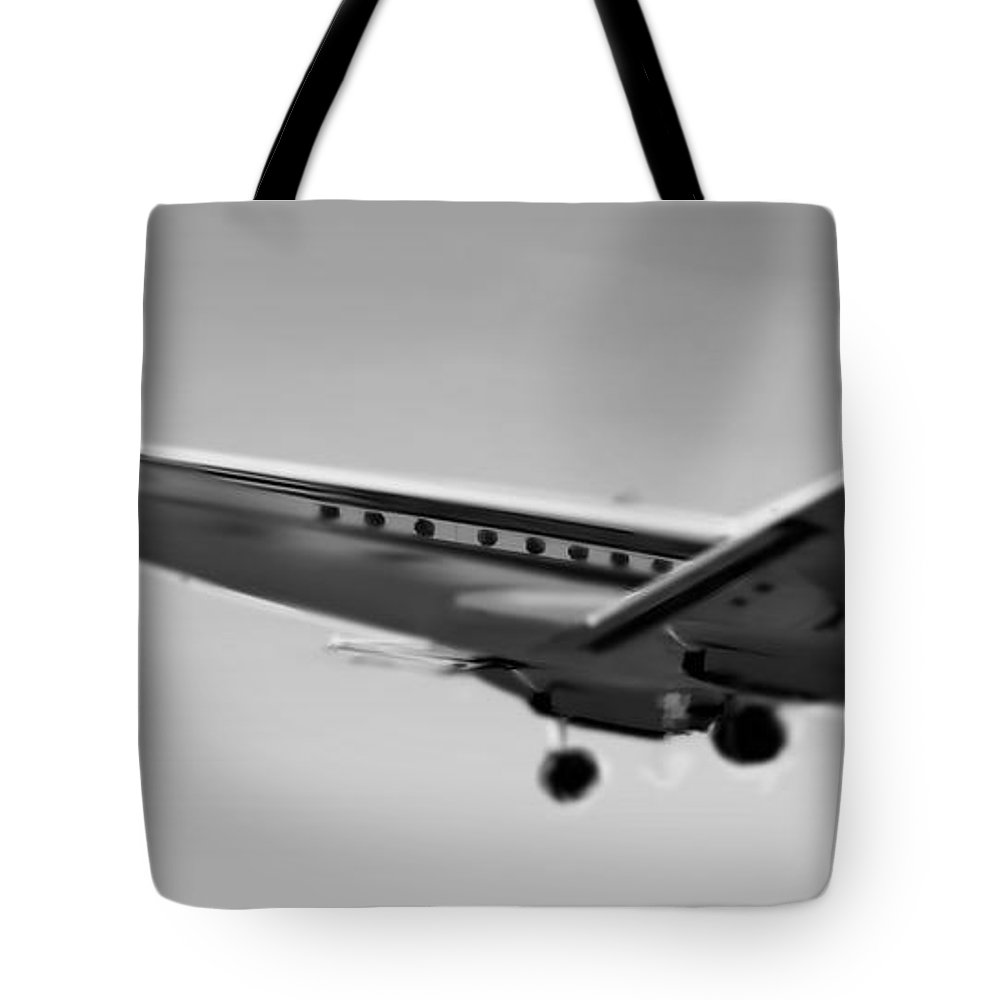 Constellation Tote Bag featuring the digital art Lockheed Constellation 2 by Marcello Cicchini