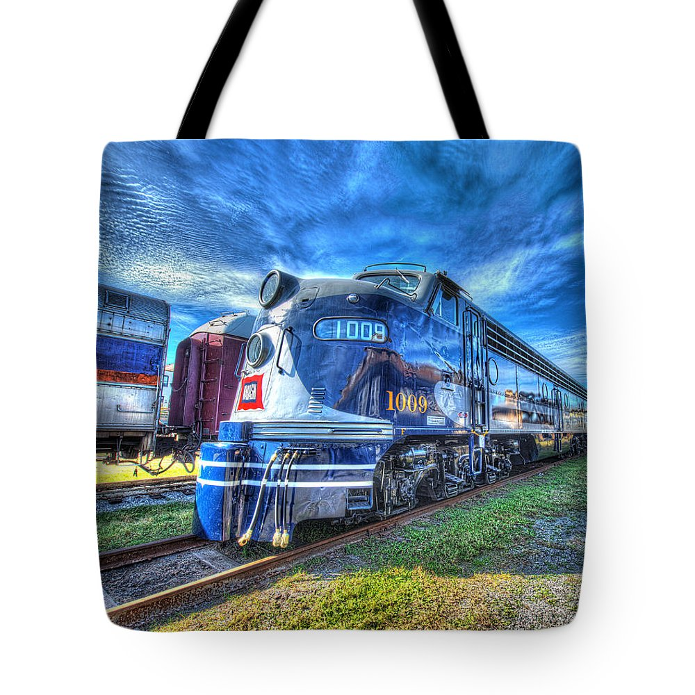 Historic Tote Bag featuring the photograph Locomotive Wabash E8 No 1009 by Greg Hager