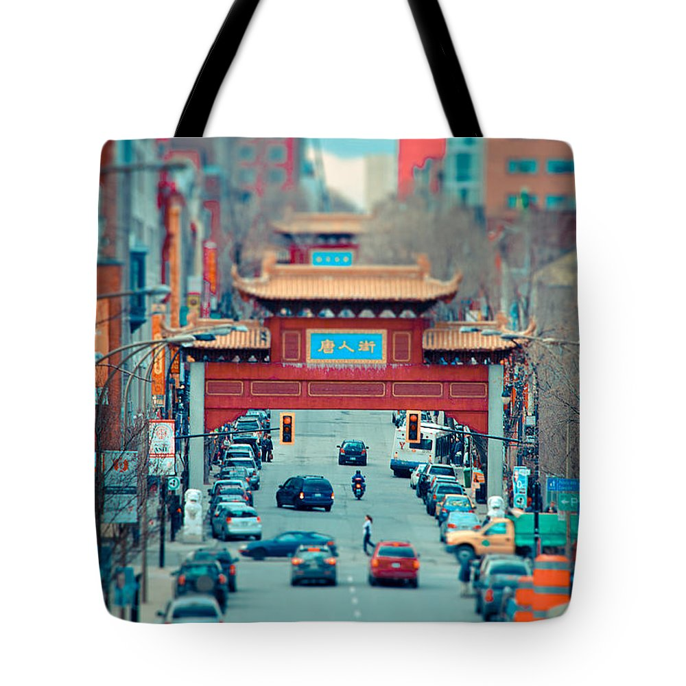 Montreal Tote Bag featuring the photograph Looking For Chinatown by Les Lorek