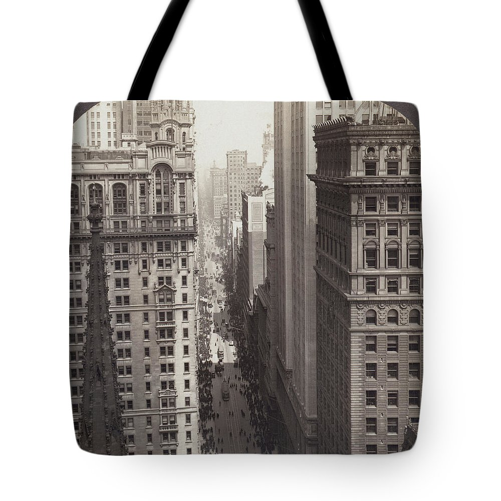 1917 Tote Bag featuring the photograph Looking Up Broadway In Nyc by Underwood Archives
