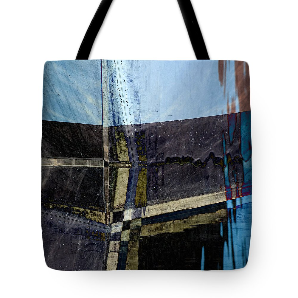 Low Tide Tote Bag featuring the photograph Low Tide 4 by Carol Leigh