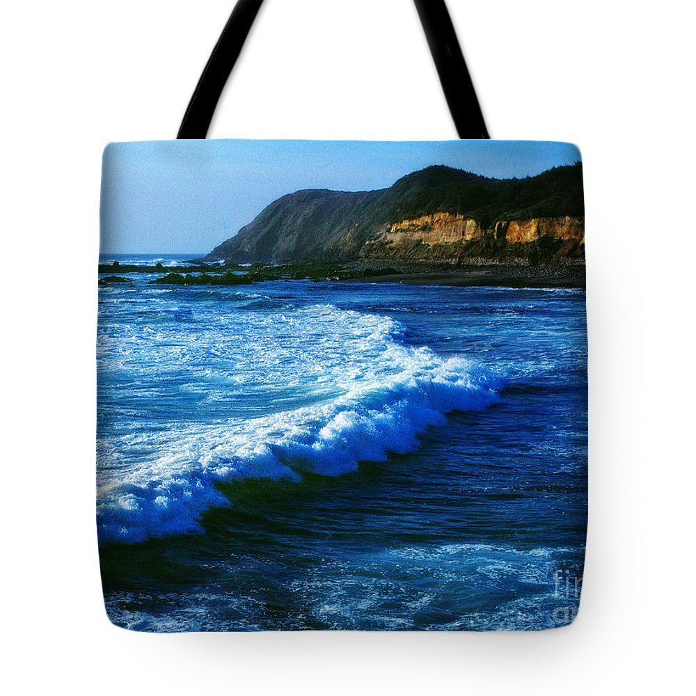 Digital Art Tote Bag featuring the photograph Lower Oregon Coast 2m by Earl Johnson