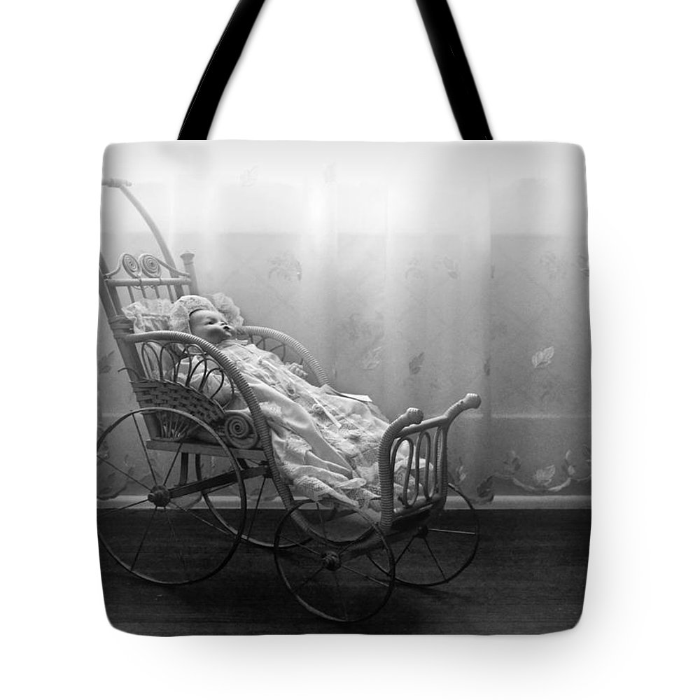 Bess Streeter Aldrich Tote Bag featuring the photograph Lullaby by Nikolyn McDonald