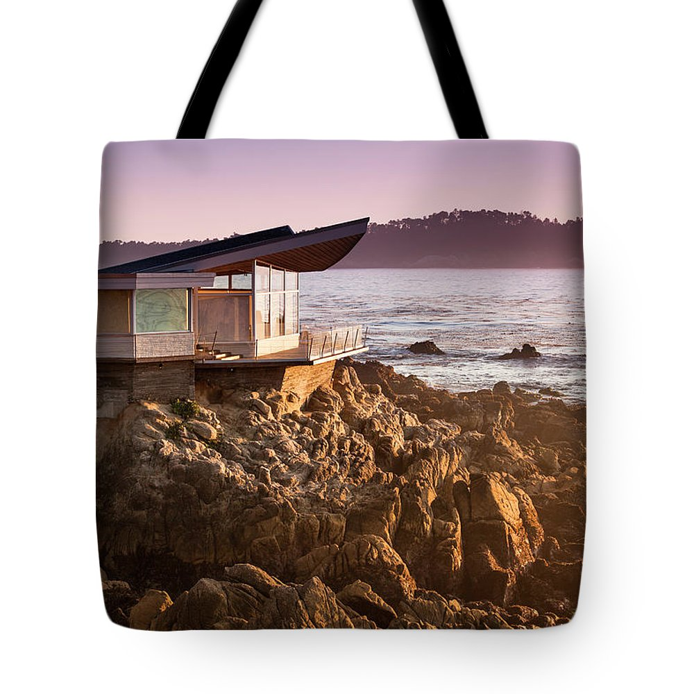 Water's Edge Tote Bag featuring the photograph Luxury Home Overlooks The Big Sur by Pgiam