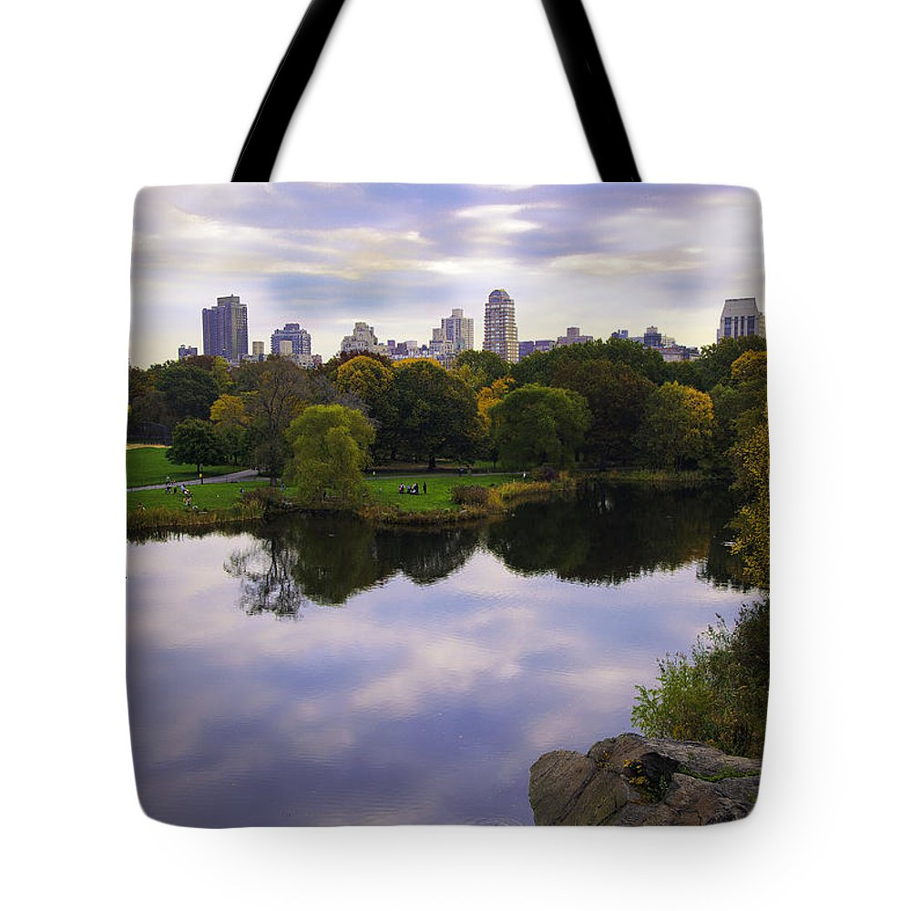 Water Tote Bag featuring the photograph Magical 1 - Central Park - New York by Madeline Ellis