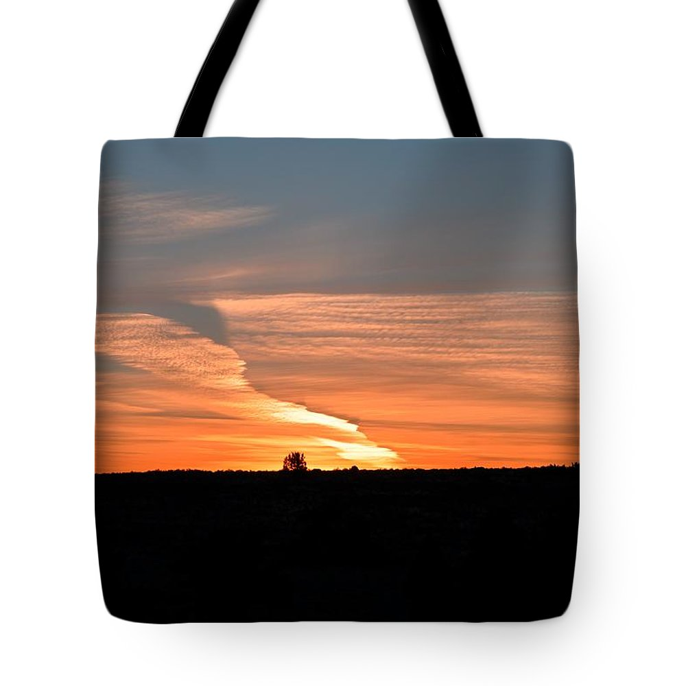 Oregon Tote Bag featuring the photograph Magnificant Sky by Image Takers Photography LLC - Laura Morgan