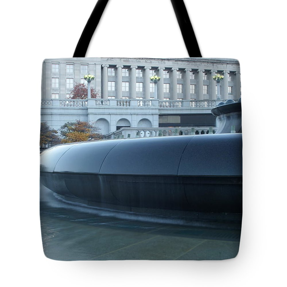 Fountain Tote Bag featuring the photograph Main Fountain State Capital by Rob Luzier