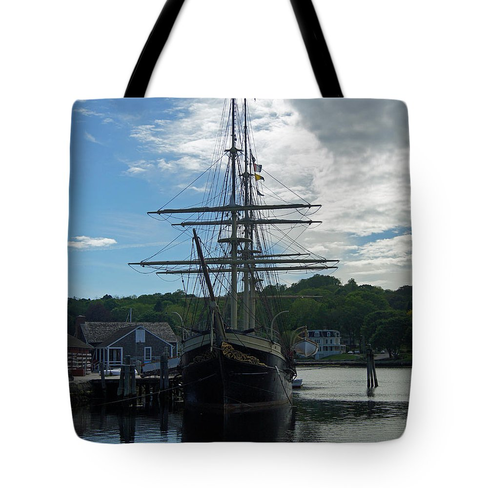 Ship Tote Bag featuring the photograph Majestic by Joe Geraci