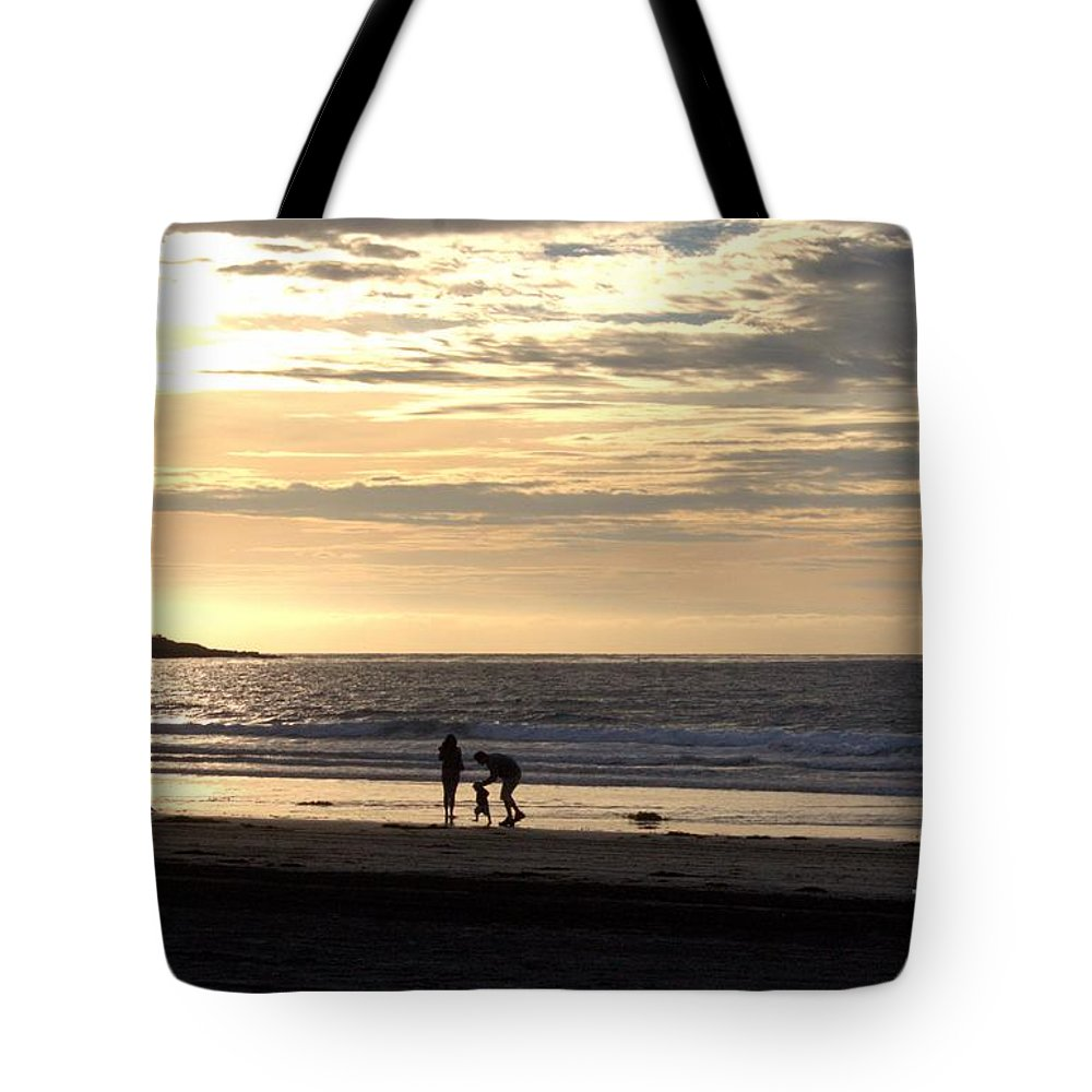 La Jolla Tote Bag featuring the photograph Making Memories by Samantha Glaze